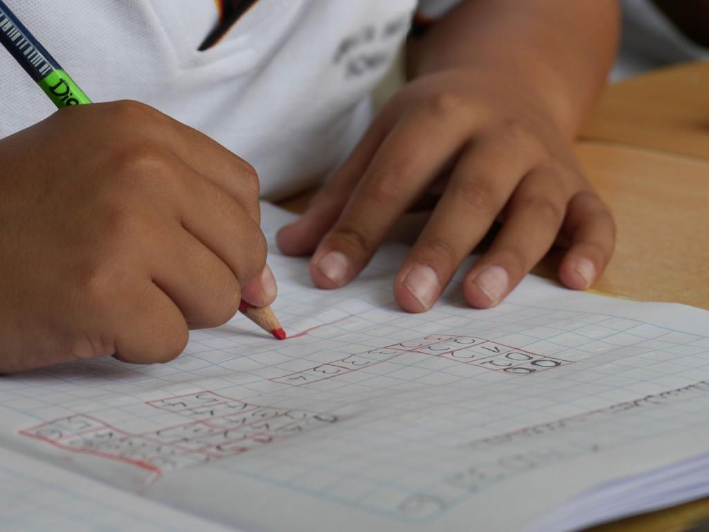scholenspeurtocht kind school schrijven