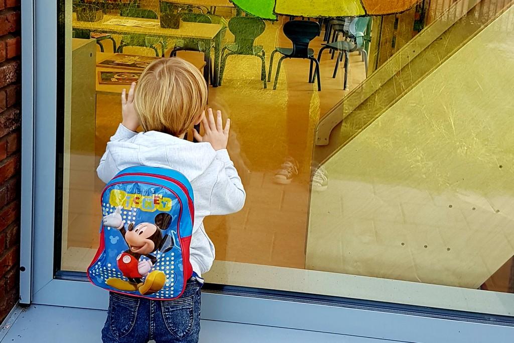 Kind naar de basisschool: Zwemmen of verzuipen!