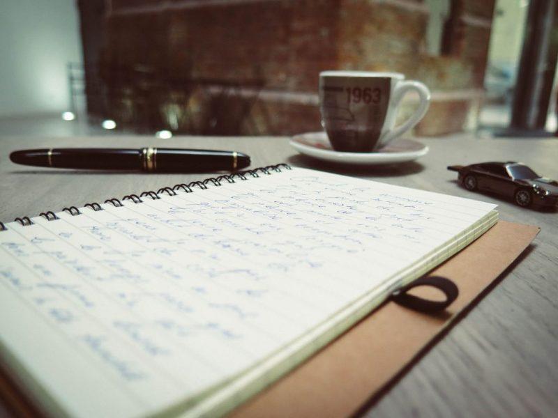 schrijven, bloggen, koffie, auto