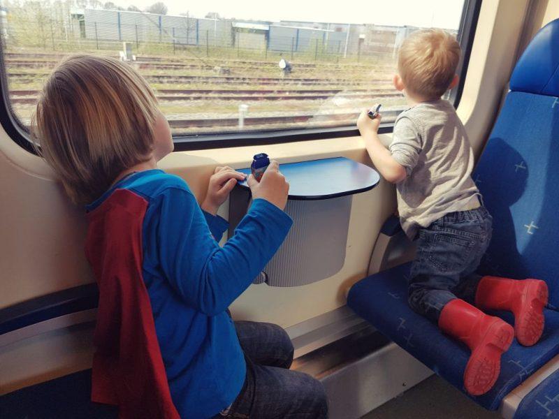 trein, kinderen, reizen, NS