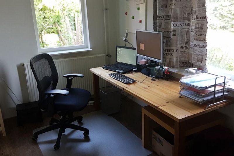 werkplek, computer, bureaustoel bens, womancave