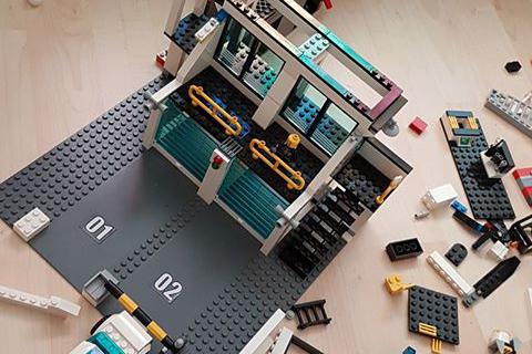 Column: Het leed dat Lego bouwen heet…